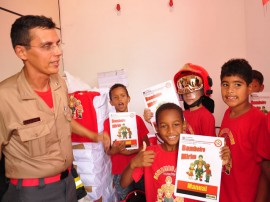 bombeiro mirim foto jose lins 42 270x202 - Bombeiros encerram mais uma turma de projeto que atende crianças carentes