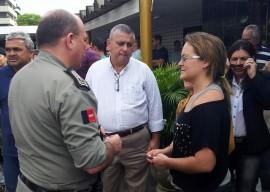 comandante geral visita velorio1 270x192 - Ricardo presta solidariedade à família de policial assassinado