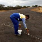 inicio de obra de asfalto em nova estrada de olivedos foto claudio goes  (4)