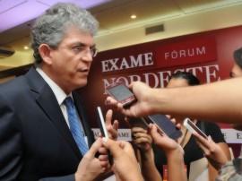 ricardo no exame forum ne foto jose marques 6 270x202 - Ricardo fala sobre crescimento da PB e união dos estados nordestinos
