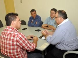 romulo reuniao AMD CG parceria com empreender 4 270x202 - Rômulo discute implantação de franquia do Empreender-PB em Campina