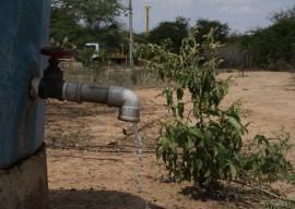 14.03.13 perfuraçao de poços foto francisco morais 5 270x192 - Governo amplia perfuração de poços e garante água para 21 mil paraibanos