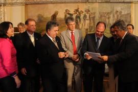 25.09.13 ricardo ministro fotos jose marques 7 270x180 - Ricardo e Ministro autorizam início do lote 2 do canal Acauã-Araçagi