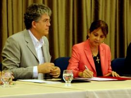 CONV ESTADO DA PARAIBA UFPB 28 270x202 - Ricardo assina termo com UFPB e beneficia mais de 19 mil alunos