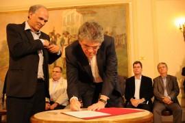 MINISTRO DA AGRICULTURA 34 270x180 - Ricardo e ministro assinam termo que torna a Paraíba zona livre da aftosa
