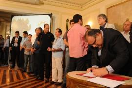 PACTO SOCIAL 9 270x180 - Ricardo assina repasse dos primeiros recursos do Pacto Social 2013