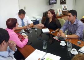 Reunião 2 270x192 - Governo acerta detalhes para implantação do Projovem Urbano nas unidades prisionais