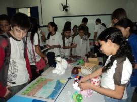 bazar2 270x202 - Escola Nossa Senhora do Rosário realiza bazar com peças recicladas por estudantes