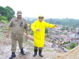 defesa civil bombeiros especionam areas de risco timbo foto kleide teixeira 139 270x202 - Defesa Civil estadual monitora áreas de risco em João Pessoa