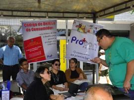 procom promove atendimento em mercado publico de mangabeira foto jose lins 11 270x202 - Procon esclarece dúvidas de consumidores no Mercado Público de Mangabeira