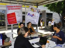 procom promove atendimento em mercado publico de mangabeira foto jose lins 48 270x202 - Procon esclarece dúvidas de consumidores no Mercado Público de Mangabeira