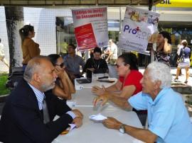 procom promove atendimento em mercado publico de mangabeira foto jose lins 54 270x202 - Procon esclarece dúvidas de consumidores no Mercado Público de Mangabeira