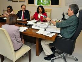 ricardo com defensores publicos foto francisco frança 15 270x202 - Ricardo recebe representantes dos Defensores Públicos da Paraíba