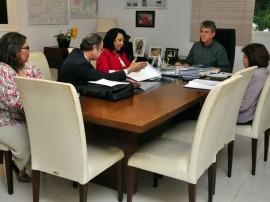 ricardo com defensores publicos foto francisco frança 25 270x202 - Ricardo recebe representantes dos Defensores Públicos da Paraíba