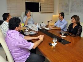 ricardo com nilson lacerda foto francisco frança 1 270x202 - Ricardo discute convênios do Pacto Social com prefeito de Conceição