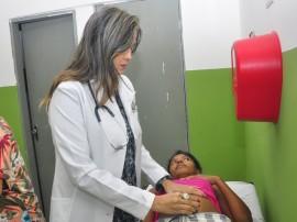 ses Karinthea medica atendimento de saude em bayeux foto jose lins 14 270x202 - Profissionais do 'Mais Médicos' já atendem na Atenção Básica da Paraíba