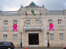 01.10.13 palacio outubro rosa fotos jose lins secom pb 2 270x202 - Palácio da Redenção ganha iluminação especial para campanha 'Outubro Rosa'