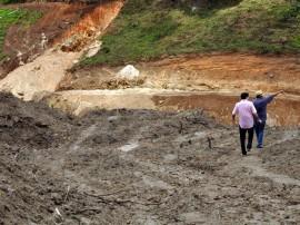 02.10.13 sec interiorizacao vistoria obras barragem pitombeira 3 270x202 - Obras da Barragem de Pitombeira estão em ritmo acelerado
