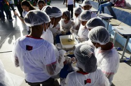 17.10.13 mostra alimentacao  escolar foto sergio cavalcante 18 270x178 - Escolas da rede estadual participam de Mostra de Alimentação Escolar
