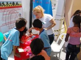18.10.13 pm MANDACARU fotos werneck moreno 2 270x202 - Ação educativa leva noções de saúde e segurança para crianças de Mandacaru