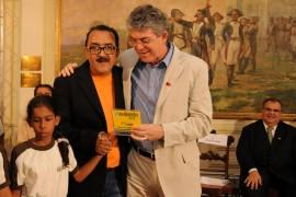 DIA DO PROFESSOR 31 270x180 - Ricardo entrega ônibus a mais de 90 municípios e premia escolas