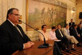 DIA DO PROFESSOR 8 270x180 - Ricardo entrega ônibus a mais de 90 municípios e premia escolas