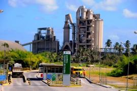 VISITA FABRICA DE CIMENTO 11 270x180 - Ricardo visita fábrica de cimentos e anuncia recuperação da PB-044