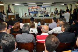 assinatura decreto 5 fotos cláudio goes 270x179 - Ricardo assina em Campina decreto que beneficia microempresas