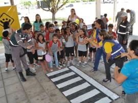 detran dia da crianca 5 270x202 - Detran orienta crianças para trânsito educado e seguro