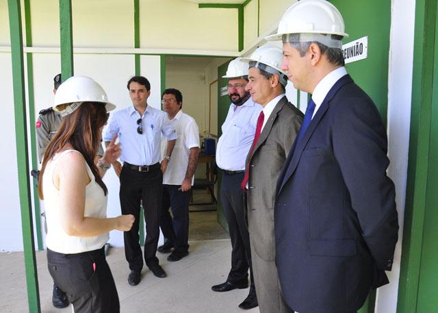 fapesq e presidente do robocup visita_centro_convencao_foto_jose lins (2)