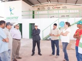 galpao de reciclagem em bonito de santa fe 270x202 - Apoio do Cooperar beneficia catadores de resíduos sólidos no Sertão