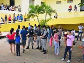 pm enem liceu3 270x202 - Polícia garante segurança e tranquilidade nas provas do Enem