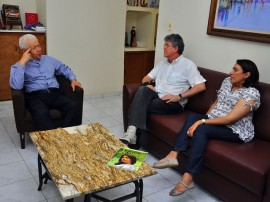 ricardo com dom jose foto francisco frança 4 portal 270x202 - Ricardo visita Dom José e fala sobre ações em prol de assentados