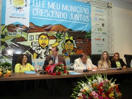 selo unicef foto francisco frança 8 270x202 - Rômulo participa do lançamento do selo Unicef e comemora redução da mortalidade infantil