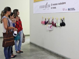 ses Cancer de MAMA outubro rosa FOTO Ricardo Puppe 11 270x202 - Secretarias fazem instalação 'Varal de Sutiãs' em apoio à Campanha Outubro Rosa