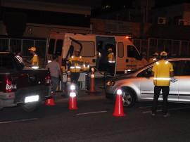 11.11.13 blitz lei seca fotos walter rafael 3 270x202 - 'Lei Seca' já prendeu 351 motoristas embriagados na Paraíba