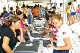 22.11.13 fac acao social foto roberto guedes 41 270x179 - Governo leva serviços à população do residencial Anayde Beiriz, na Capital