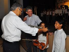 25.11.13 ricardo entrega instrumentos prima guarabira fotos roberto guedes 1 270x202 - Ricardo entrega instrumentos para o PRIMA e autoriza obras em Guarabira