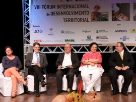 26.11.13 forum internacional desenvolvimento territorial cg foto Danilo Dantez 7 270x202 - Rômulo abre Fórum Internacional de Desenvolvimento Territorial