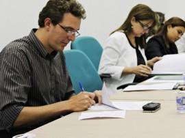 CSS Sec. Waldson Reitora UFPB Margareth FOTO Ricardo Puppe 270x202 - Governo firma convênio para estágios e pesquisas em Saúde