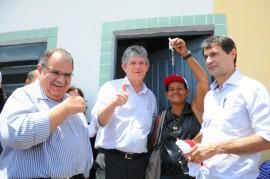 ENTREGA DE CASAS CAMPINA GRANDE 81 270x179 - Ricardo realiza sonho da casa própria para 1.300 pessoas