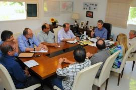 REUNIÃO EMPRESARIOS SETOR TRANSPORTE 11 270x179 - Ricardo discute transporte alternativo com empresas de ônibus intermunicipais