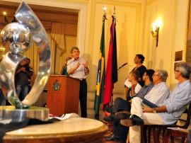 botafogo homenagem do governo foto francisco frança 180 270x202 - Ricardo homenageia Botafogo pelo título de Campeão da Série D