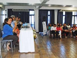 cida homenagem1 270x202 - Secretária expõe ações do Governo e é homenageada em seminário nacional