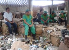coleta seletiva em bonito de santa fe recebe representantes de brasilia 72 270x199 - Paraíba vence prêmio nacional com projeto de reciclagem de resíduo urbano