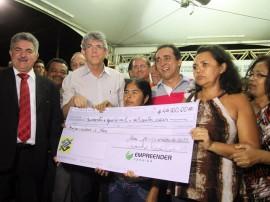 mari empreender foto francisco frança secom pb 00072 270x202 - Ricardo entrega créditos para empreendedores da cidade de Mari