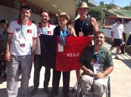 medalhista com secretário1 270x201 - Paraíba já coleciona 40 medalhas nas Paralimpíadas Escolares 2013
