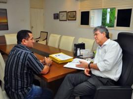 nadir fernandes prefeito de curral de cima 3 270x202 - Ricardo discute projetos com prefeitos de Boa Ventura e Curral de Cima