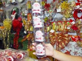 produtos e artigos natalinos natal foto jose lins 85 270x202 - Preços de artigos de decoração natalina chegam a R$ 1.480 em João Pessoa
