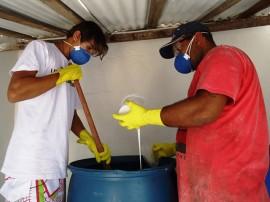 seap colonia agricula curso de producao de material de limpeza para detentos 3 270x202 - Projeto de ressocialização ensina detentos a produzir itens de limpeza